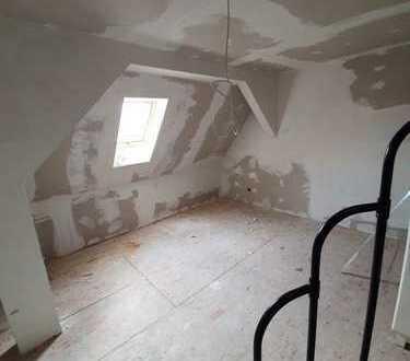 Rohdiamant - Dreifamilienhaus in Iggingen