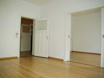 WG-fähige Wohnung in ruhiger Lage! 3 ZKB Balkon / Einbauküche