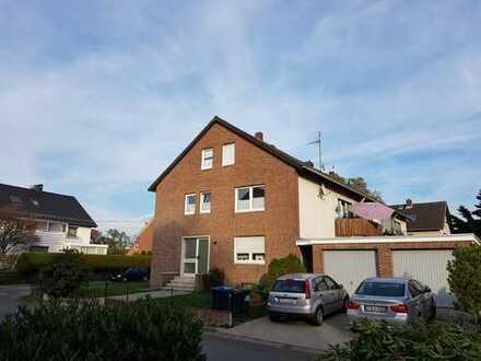 Komplett renoviert / Zentral in ruhiger Wohnsiedlung
