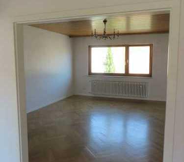 Schöne 4-5 Zimmer Wohnung in Mannheim, Käfertal (WG)