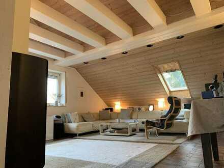 4-Zimmer Dachgeschosswohnung. Balkon + Garten