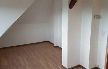 kleine 2 Zimmer DG Wohng. in Eckernfelde nähe Speckenbütteler Park