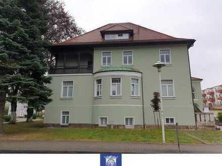 Traumhafte Villenwohnung mit exklusiver und hochwertiger Ausstattung, zwei Balkonen und zwei Bädern