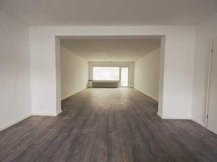 Neuss-Uedesheim, großzügiges komplett renoviertes Reihenmittelhaus in gesuchter Lage