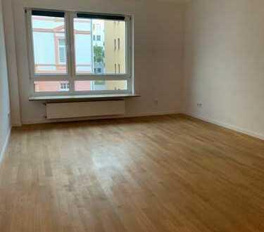 Feuerbach-sanierte 2 Zimmerwohnung