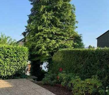 Lichtdurchflutete Doppelhaushälfte mit schönem Garten in sehr guter Lage Bad Soden!