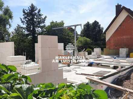 Exklusive Maisonettewohnung mit Sonnenterrasse, Sonnenbalkon und eigenem Garten***KfW 55 ***
