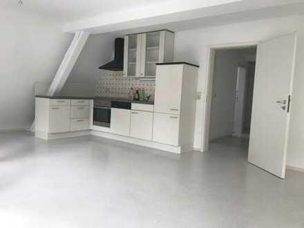 Großzügige 1 Zimmer Dachgeschosswohnung in der Innenstadt von Schramberg-Tal