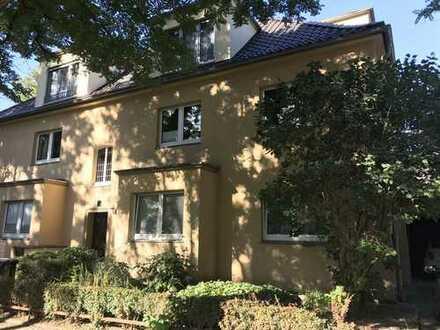 Stadtpark / Dichterviertel: 2,5-Zimmer-Wohnung mit Balkon