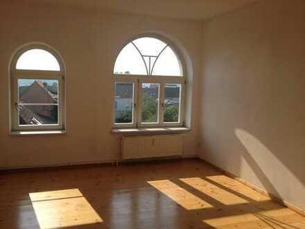 Bild_Helle gemütliche 2 Zimmerwohnung mit etwas Seeblick !