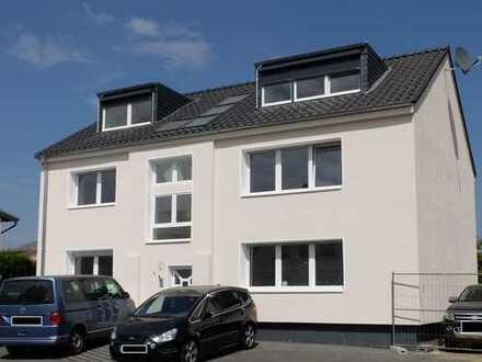 Troisdorf-Kriegsdorf! Erstbezug nach Sanierung! Sonnige 3-Zimmerwohnung mit großem Balkon!