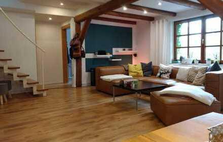 Preiswerte, modernisierte 4-Zimmer-Maisonette-Wohnung mit Balkon und EBK in Lichtenau