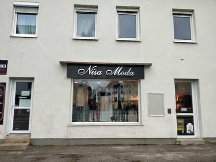 Einzelhandel/Bekleidungsladen mit Einrichtung zur Miete mit Ablöse in Augsburg