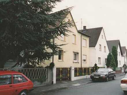 Haus mit acht Zimmern EG-OG in Darmstadt-Dieburg (Kreis), Münster
