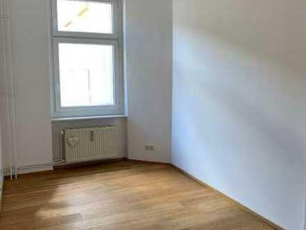 WG Parterin für Traumaltbauwohnung gesucht im coolen Friedrichshain!