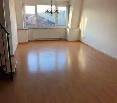 Großzügige 5 ZKB Wohnung/Balkon/TG-Stellplatz/Einbauküche sucht neuen Mieter