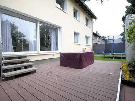 Modernisierte Wohnung mit Terrasse!