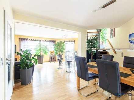 Großzügige und helle 4-Zimmer-Maisonette-Wohnung mit Balkon und Klimaanlage