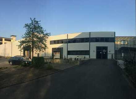 Gewerbehalle mit Büroflächen