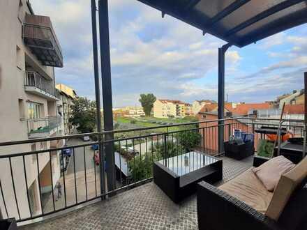 Gepflegte, zentral und bahnhofsnah gelegene 2-Zimmer-Wohnung mit Balkon und EBK in Bamberg