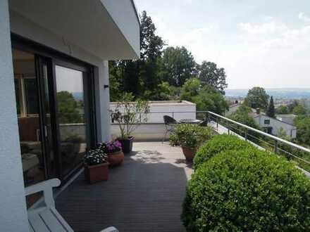 3-Zimmer-Penthouse-Wohnung mit Balkon und EBK in Traumlage in Kulmbach mit Blick zur Plassenburg