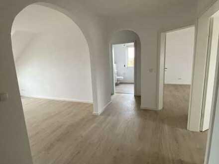 SOFORT FREI! *Erstbezug nach Sanierung* 3-Zimmer DG-Wohnung in Walsdorf
