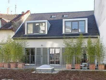 Außergewöhnliches Hinterhaus - sehr ruhig!- im Herzen von Bockenheim mit Kamin, Terrasse,Parkett etc