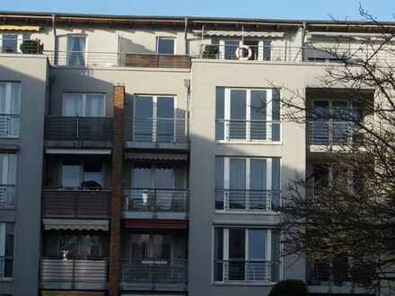 Stilvolle, vollständig renovierte 3-Zimmer-Wohnung mit Balkon und EBK in Eidelstedt, Hamburg
