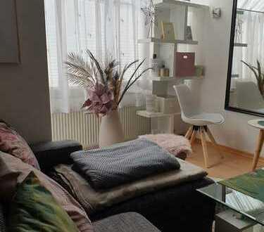 Vorteilhaft geschnittene 1-Zimmer Wohnung in zentraler Lage (möbliert) **KEINE ANRUFE**