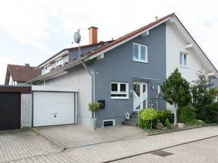Komfort-Haus mit fünf Zimmern in Karlsruhe (Kreis), Linkenheim-Hochstetten
