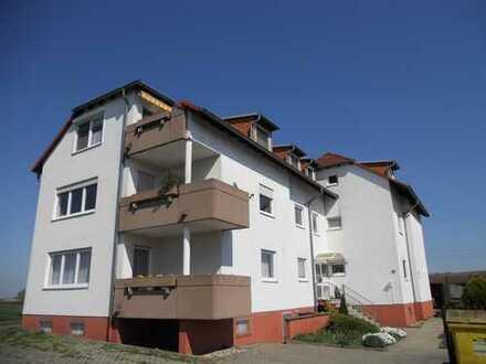 Helle & moderne 4-Zimmer-Wohnung mit Balkon in Gernsheim/Klein-Rohrheim