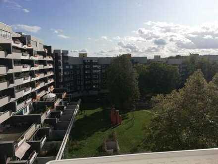 Schöne 3,5 ZKB Wohnung frisch gestrichen und 3 Abstellkammern