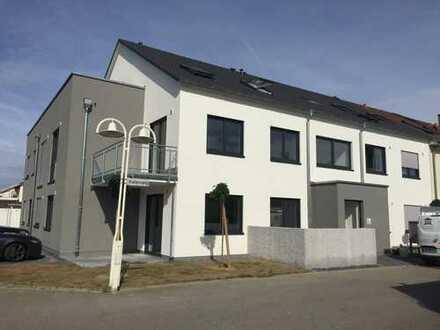 Neubau - 2 Zi. Dachgeschosswohnung in ruhiger Lage