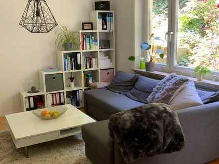 AUF ZEIT !!! Neuwertige 2-Raum-Wohnung mit Balkon und Einbauküche in Freiburg Herden am Waldrand