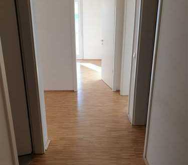 Schöne 3 Zimmer Wohnung am Flugfeld