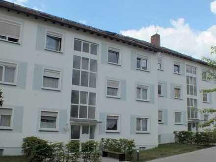 4-Zimmer-Dachwohnung für kurzfristigen Bezug in Aschaffenburg Damm