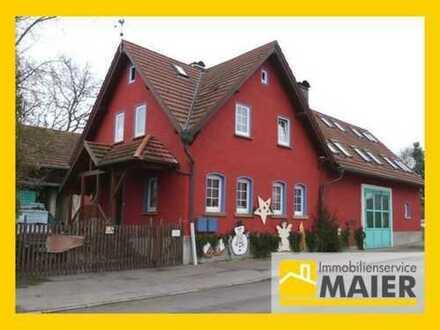 Zweifamilienhaus mit Werkstatt, Carport, Hof, Garten - über 500m² Wohn- und Nutzflächen!