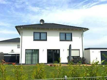 Freistehende Stadtvilla inkl. Keller in Rheinberg Borth - Neubau inkl. großem Grundstück