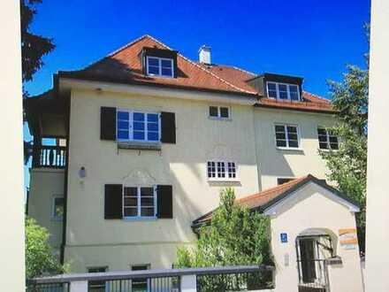 Traumhafte Wohnung in Altbauvilla in München Pasing