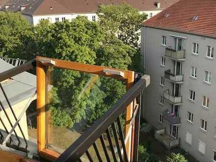 Große Dachgeschosswohnung mit Blick in Richtung Elbsandsteingebirge