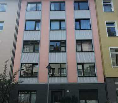 Erstbezug nach Sanierung: exklusive 2-Zimmer-Wohnung mit Balkon in Düsseldorf