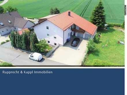 Lukratives, neuwertiges Mehrfamilienhaus in Kirchendemenreuth