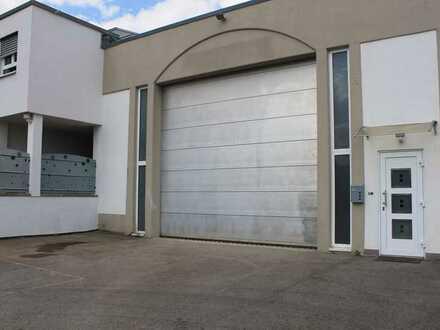 Schöne Halle mit Dusche, WC, Büroraum und einem Vorplatz in 71139 Ehningen, KM 950€+Nebenkosten