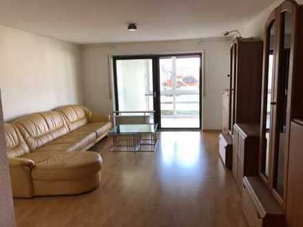 Stilvolle, gepflegte 3,5-Zimmer-Wohnung mit Balkon und EBK in Sindelfingen