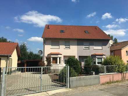 Nur 10 Minuten bis Dresden! Moderne DHH mit Terrasse und Carport in grüner Lage von Hermsdorf