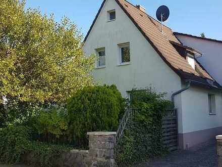 Schönes Haus mit drei Zimmern in Lorsch (Kreis Bergstraße)