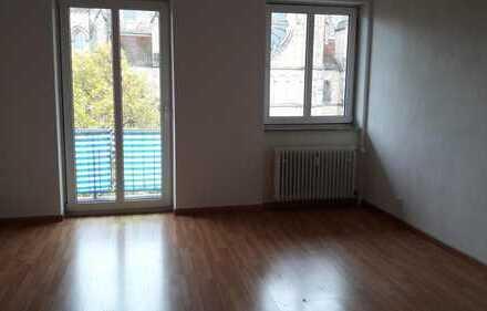Schönes WG-Zimmer in einer 5-Zimmer Wohnung in Landau in der Pfalz (Stadtmitte)