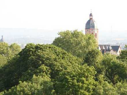 charmante 3 Zi-Wohnung in Bestlage nächst UNIKLINIKEN. Gefragte zentrale Lage direkt am Stadtpark!