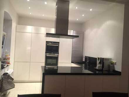 Saniertes 6-Zimmer-Reihenhaus mit Einbauküche in Richterich, Aachen