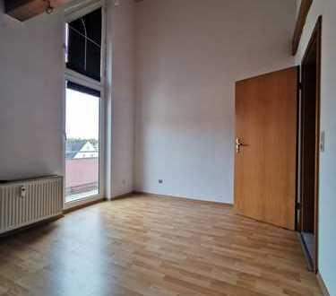Schöne 2 Zi. + Bad + WC + Balkon 47 qm